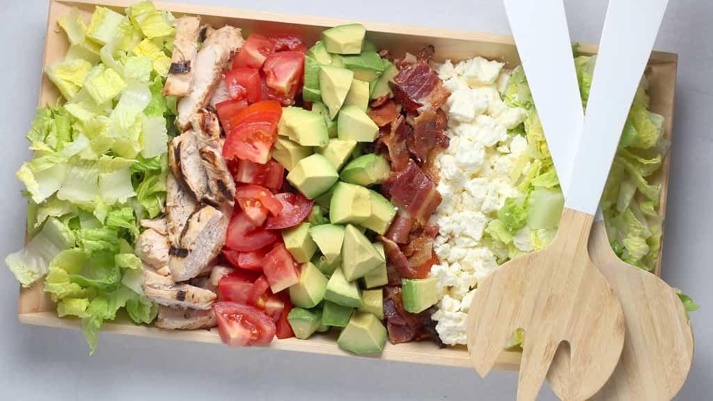 ピクニックの必需品のお弁当箱